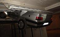 خودرو پژو 405 در بالابر ساختمانی له شد