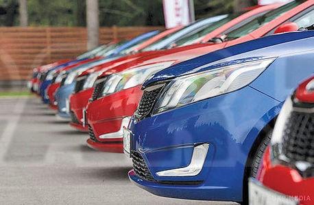 بانک مرکزی فهرست واردکنندگان خودرو با ارز دولتی را منتشر کرد