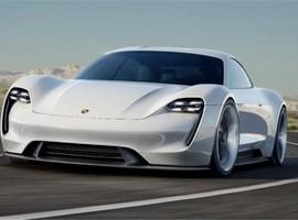 نیمی از خودروهای پورشه تا ۵ سال آینده الکتریکی می شوند