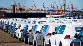 خبر روزنامه ایران ؛ رشوه ۵ میلیونی توسط واسطهها برای واردات خودرو!
