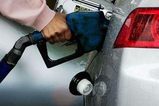 مردم نگران بنزین نوروزی نباشند