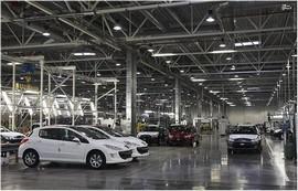 ترفند جدید خودروسازان برای افزایش قیمت و ایجاد اشتیاق خرید در مردم