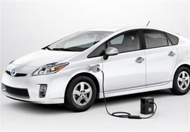 ادامه تلاش مجلس برای کاهش پلکانی تعرفه واردات خودروهای هیبریدی