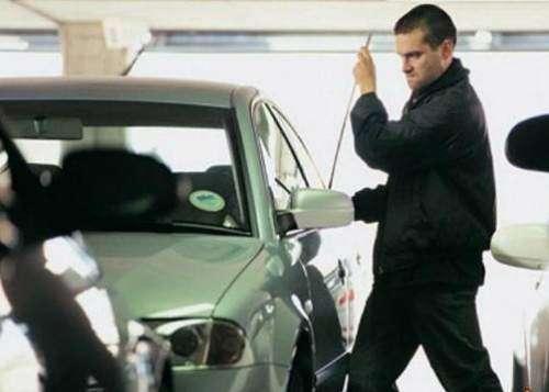 چگونه مانع به سرقت رفتن خودرو خود شویم ؟