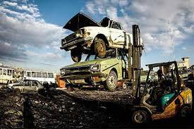 اسقاط 700 هزار خودروی فرسوده در سال 96