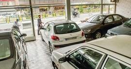 افت قیمت و تقاضا در بازار خودرو همچنان ادامه دارد
