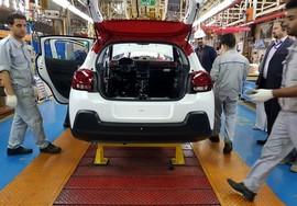 با وجود تحریم های جدید خودروسازان فرانسوی در ایران ماندنی شدند