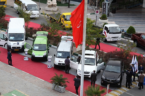 گزارش تصویری از حضور خودروسازان و واردکنندگان