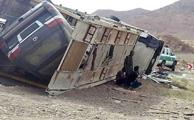 واژگونی تریلی حامل 6 دستگاه لکسس در کرمان