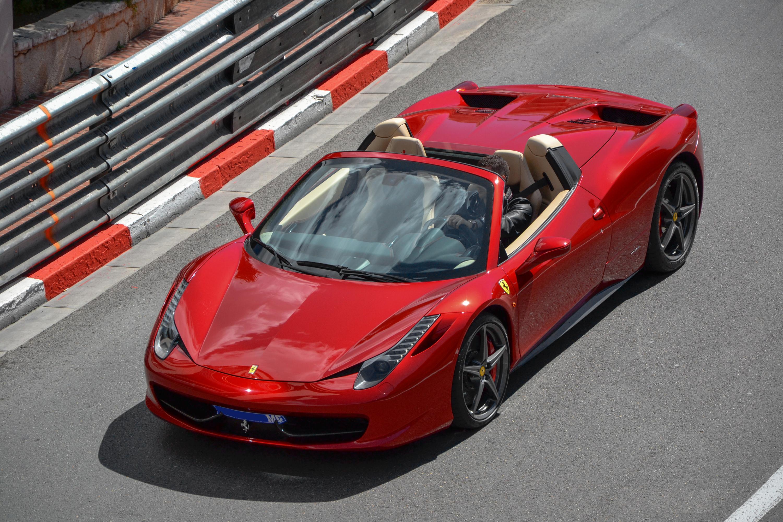 یک روز متفاوت در زندگی با Ferrari 458 Italia