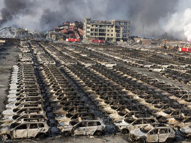 سوختن هزاران خودرو در انفجار بندر تیانجین در چین