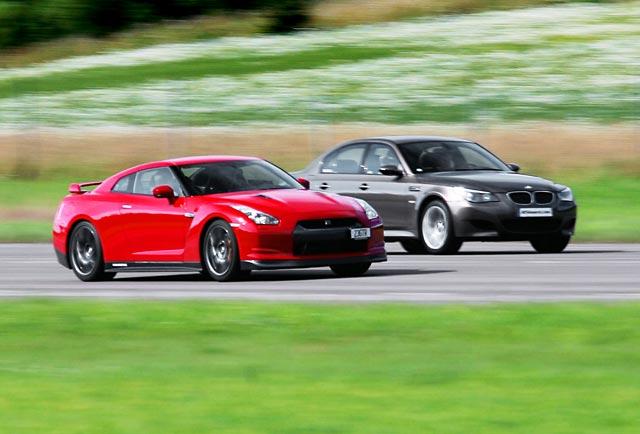 نبرد بی ام و M5 و نیسان GTR