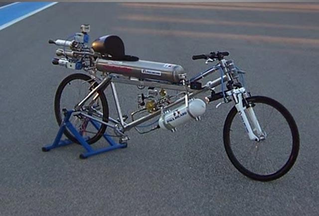 رسیدن به سرعت ۳۳۳ کیلومتر در ساعت با دوچرخه!